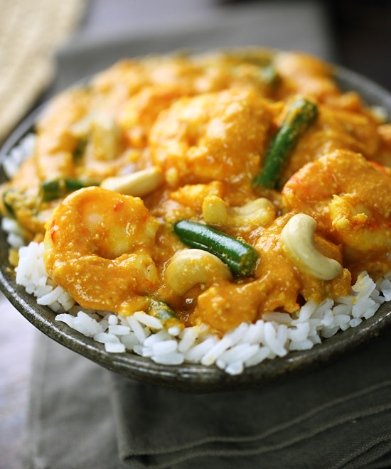 Cashew nut korma with shrimp
